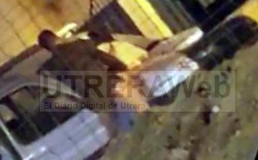 Fotograma extraido del video de sexo en la Feria de Utrera difundido por las redes sociales.