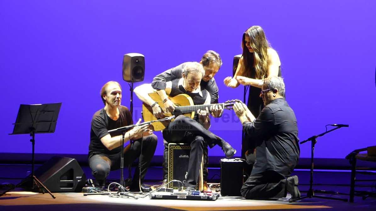 Elenco de artistas participantes en el espectáculo ofrecido en el Teatro Municipal de Utrera.
