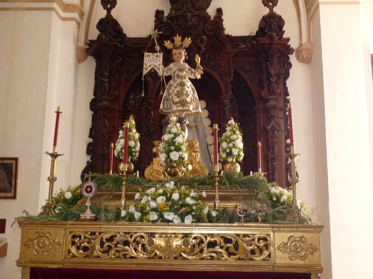 Niño Jesús de la Bola en el paso que procesionará este domingo en Utrera.