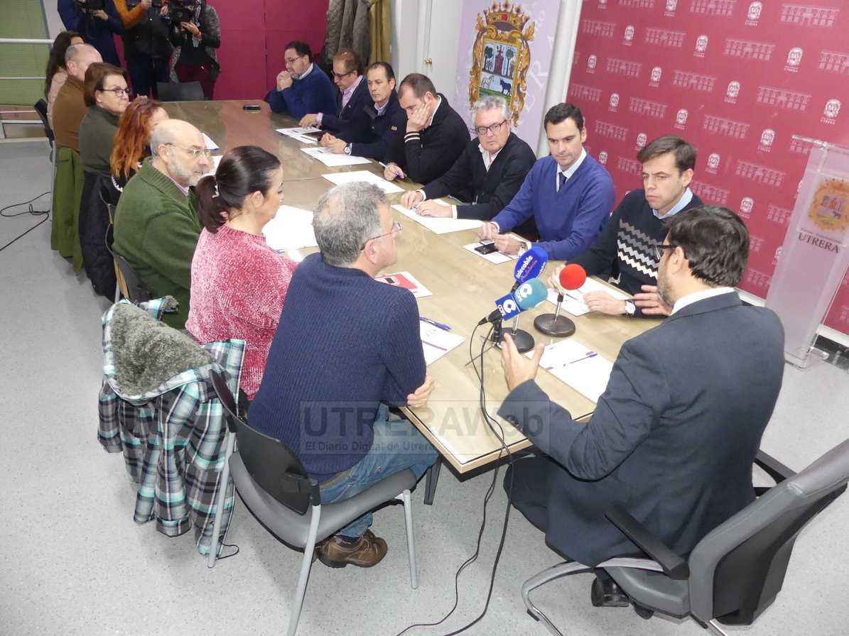 Un momento de la reunión constituva de la Comsión del Año Cultural del Abate Marchena.