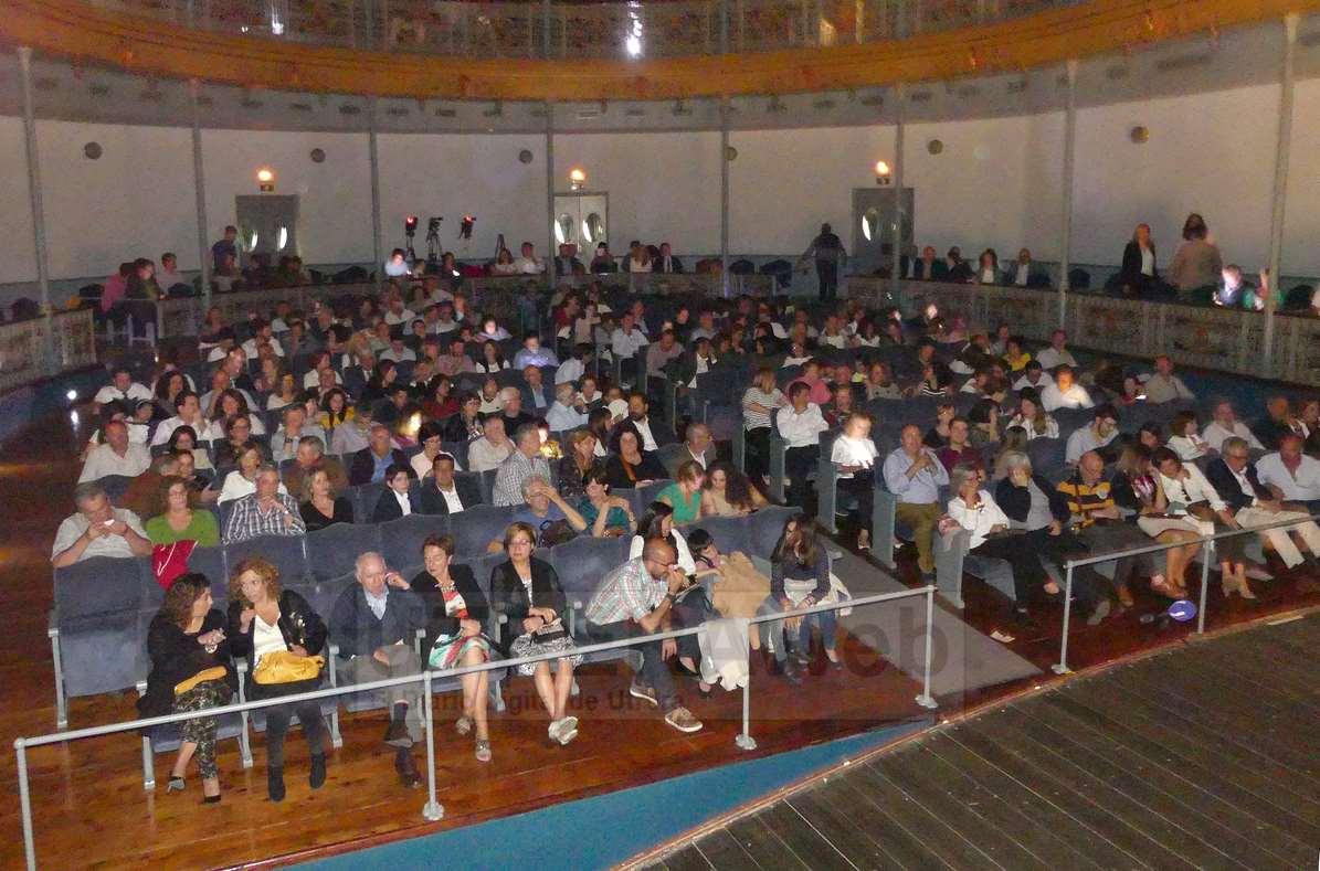 El público completó el aforo del patio de butacas de Utrera en el concierto del pianista Juan Pérez Floristán