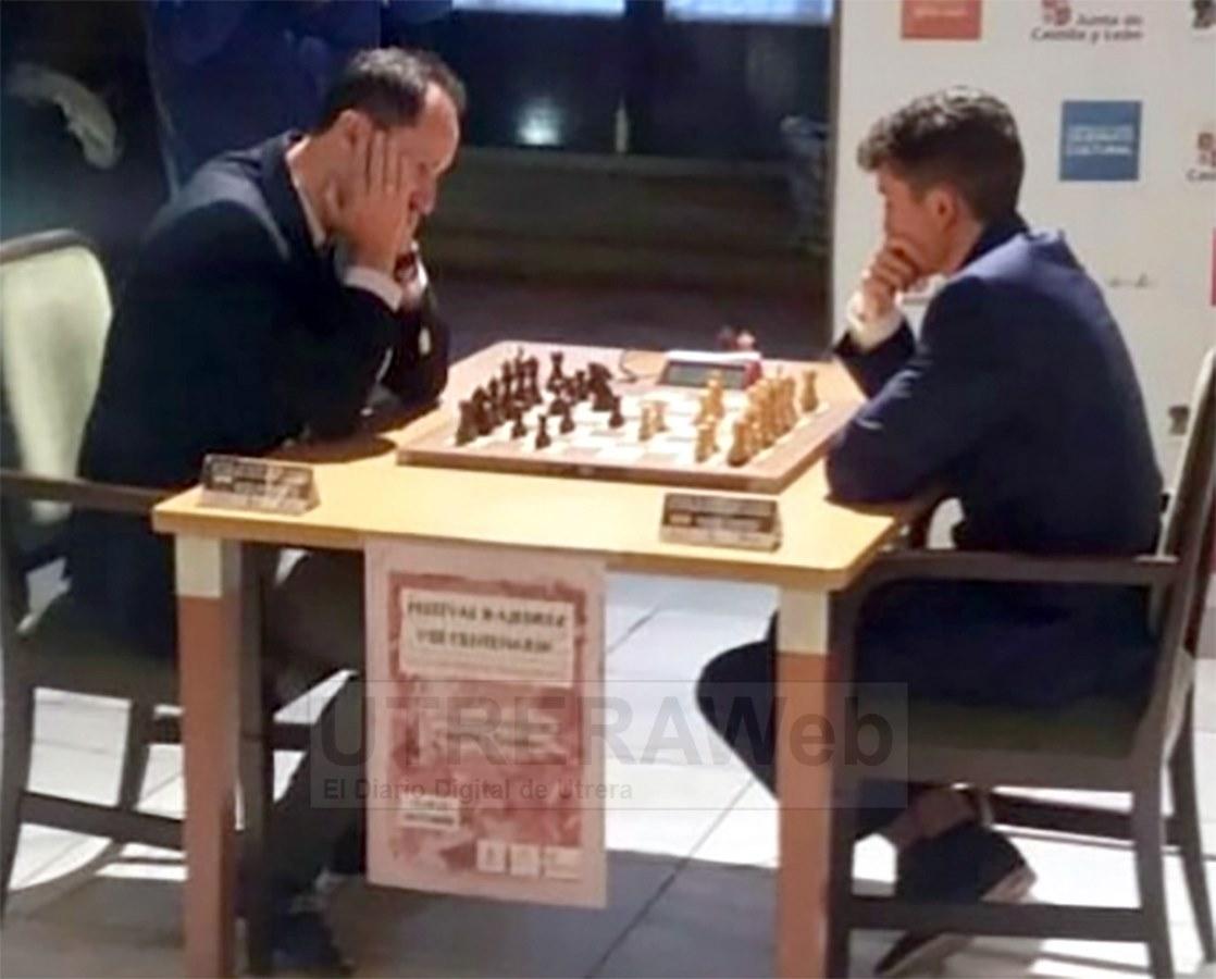Miguel Santos en su partida con el excampeón del mundo Topalov en la partida que finalizó en tablas.