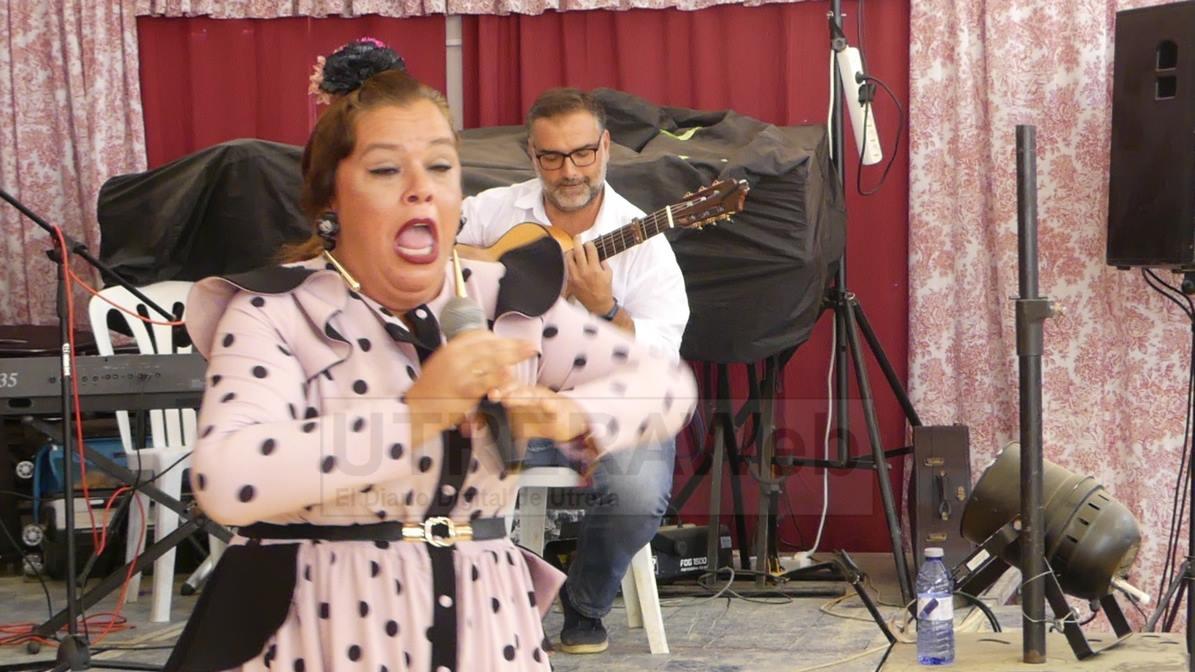 La artista arcense, Ana Gómez, se impone en el III Concurso de Cante por Sevillanas de la Feria de Utrera.