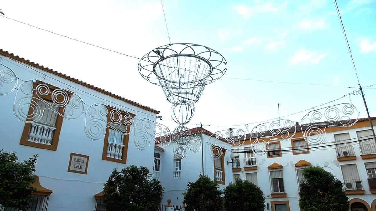 Motivo central del alumbrado navideño de la plaza de Gibaxa de Utrera.