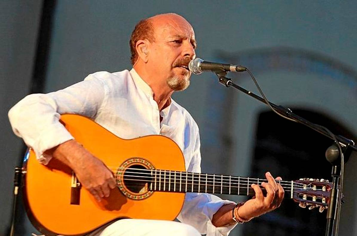 el cantautor sevillano, Javier Ruibal, actuará el sábado en el Castillo de Utrera.