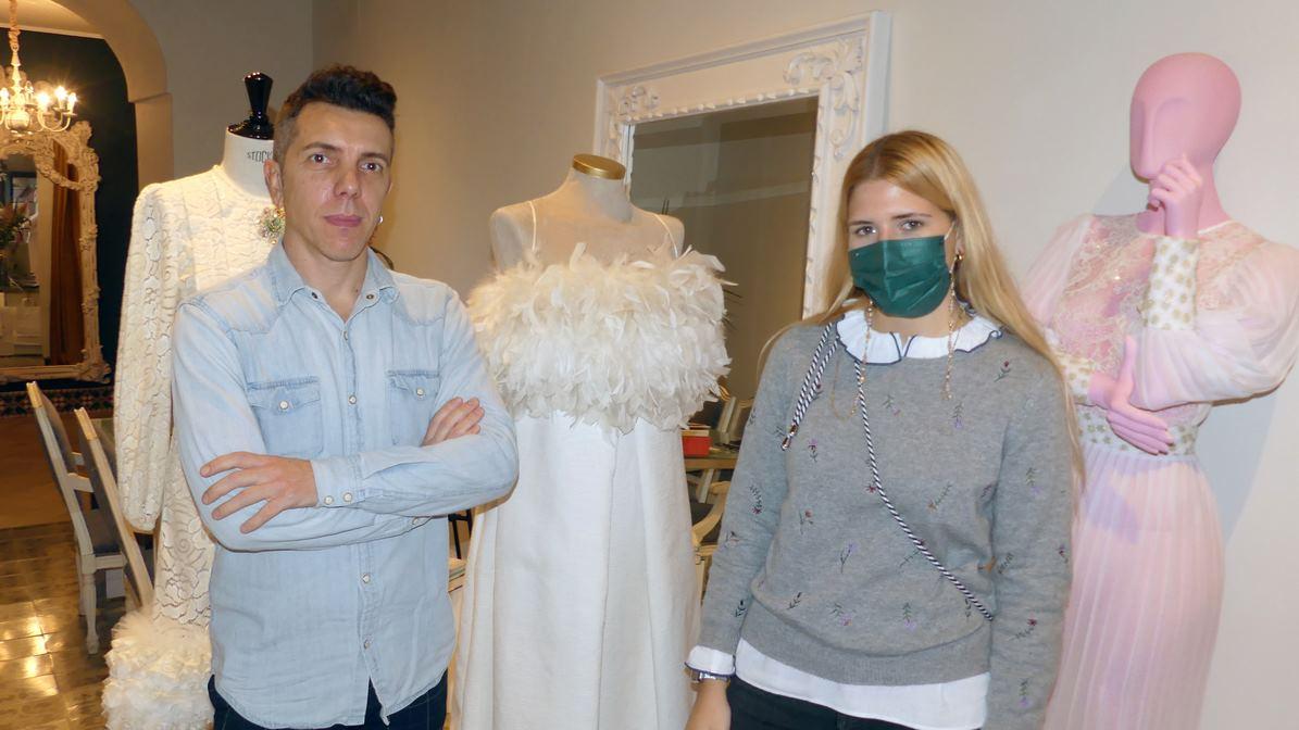 Alejandro Postigo con nuestra compañera Teresa Nieto tras la entrevista realizada.