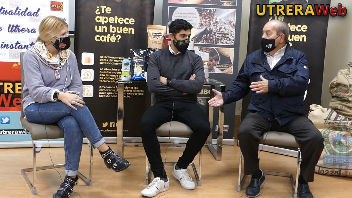 Un momento de la entrevista relizada por UTRERAWeb en Cafés Macaibo.