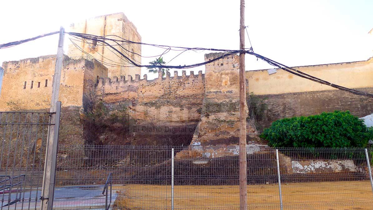 Vista de la muralla del Castillo de Utrera.