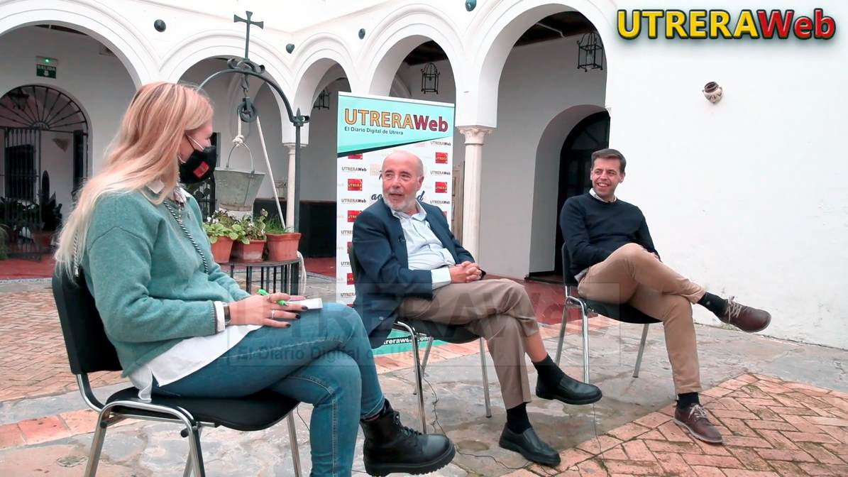 Un momento de la entrevista relizada por UTRERAWeb a los responsables del Área de Cultura, Pepe Montoro y Cristóbal Ortega.