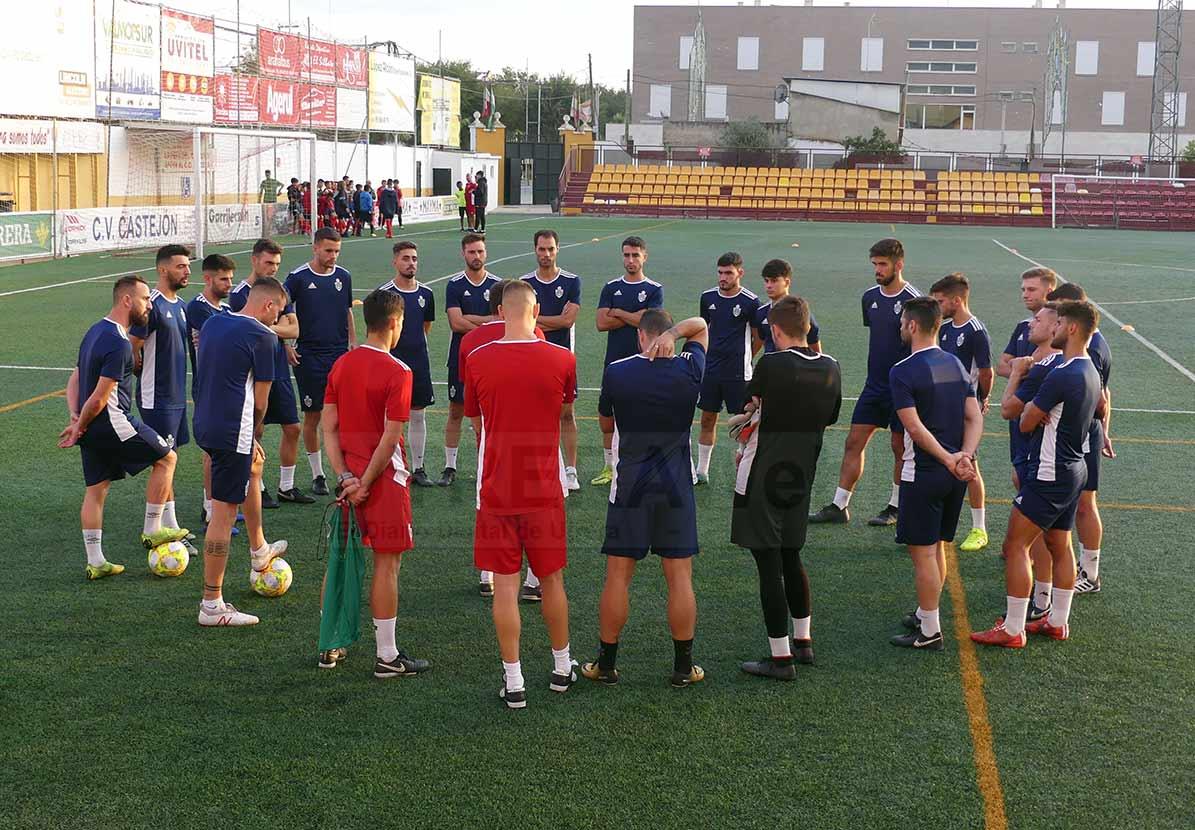 El C.D. Utrera está pendiente de poder reanudar los entrenamientos para poder afrontar el Play Off de ascenso.