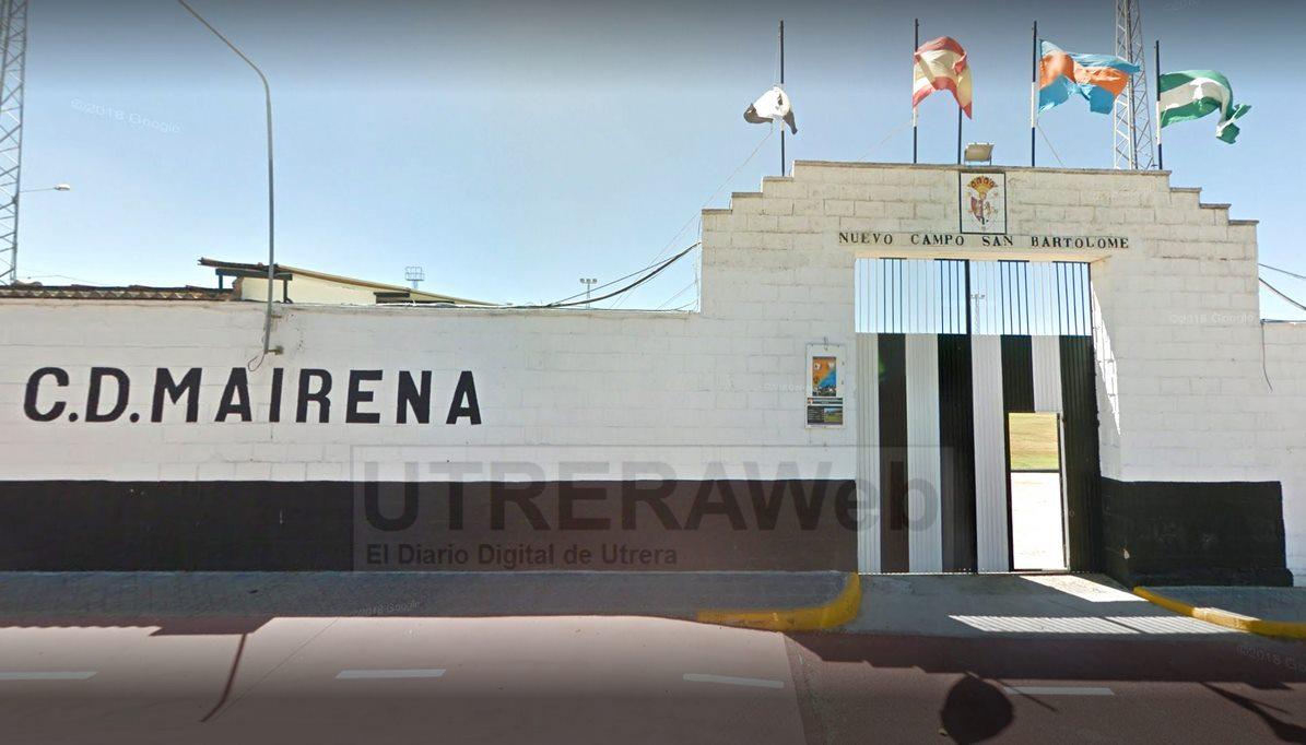 Vista de facha exterior del estadio de Mairena del Alcor donde entrenará el C.D. Utrera.