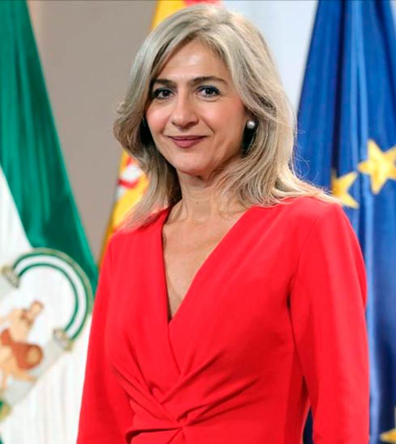Patricia del Pozo consejera de Cultura de la Junta de Andalucía que se la reunido con la organización del Potaje Gitano de Utrera.