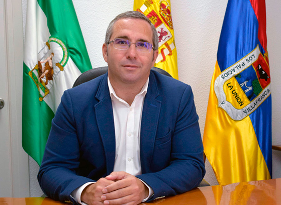 Juan Manuel Valle, alcalde de Los Palacios y Villafranca.