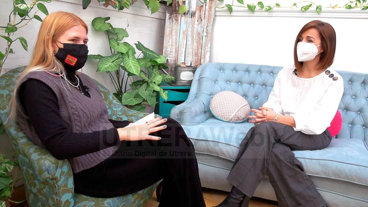 Un momento de la entrevista relializada por UTRERAWeb a Águeda Pérez, madre de Nico.