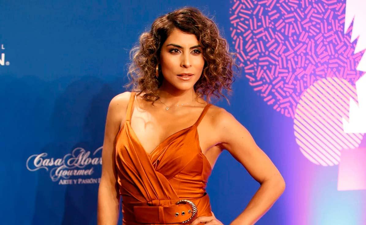 María León.
