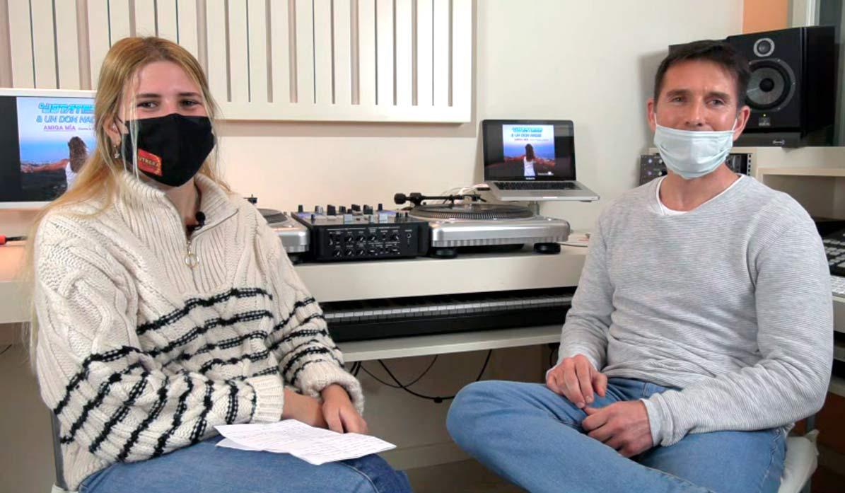 Un momento de la entrevista relizada por UTRERAWeb al DJ de Utrera, Joaquín Tejada